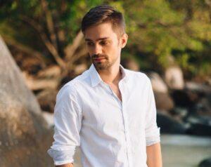 Интервью с Александром Беляшовым, автором блога Whitik.ru